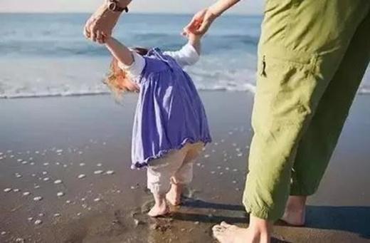Những điều cấm kị khi dắt trẻ nhỏ không phải ai cũng chú ý