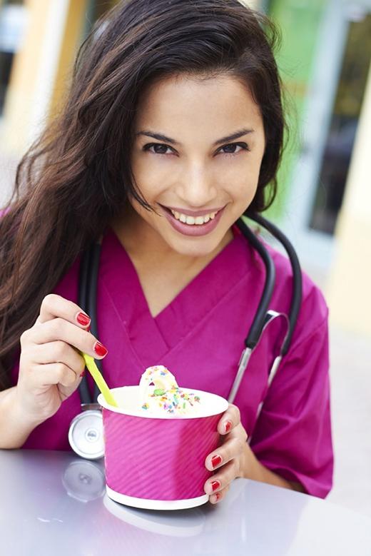 Những món ăn vặt cần tránh xa ngay-và-luôn nếu muốn giảm cân