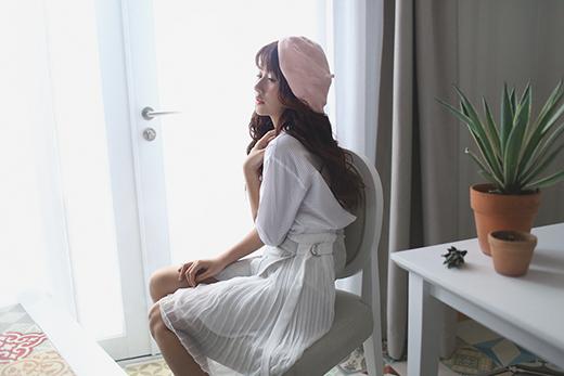 Quỳnh Anh Shyn gây bất ngờ khi diện trang phục gợi cảm, táo bạo