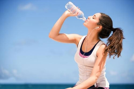 Những thời điểm vàng cần uống nước để da luôn tươi trẻ