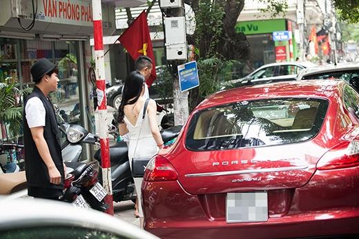 Tuy nhiên, bà xã Thu Hương tự lái siêu xe về nhà... - Tin sao Viet - Tin tuc sao Viet - Scandal sao Viet - Tin tuc cua Sao - Tin cua Sao