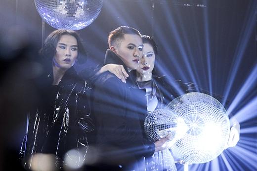 Chủ đề Gothic - Rock thuộc về nhóm Thành An, Đinh Đức Thành và Kim Phương.
