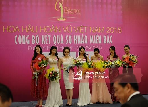 Top 35 người đẹp khu vực phía Bắc của Hoa hậu Hoàn vũ Việt Nam 2015 lần lượt ra mắt giới truyền thông. - Tin sao Viet - Tin tuc sao Viet - Scandal sao Viet - Tin tuc cua Sao - Tin cua Sao