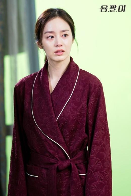 Kim Tae Hee đang cố gắng cho những phân đoạn dù là nhỏ nhất trong Yong Pal.