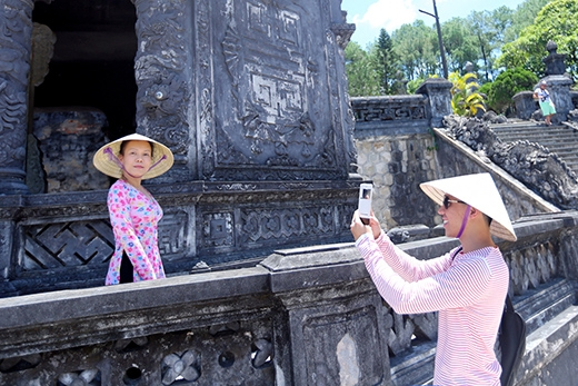 Trấn Thành không quên trổ tài nhiếp ảnh, ghi lại những khoảnh khắc đẹp của Việt Hương. - Tin sao Viet - Tin tuc sao Viet - Scandal sao Viet - Tin tuc cua Sao - Tin cua Sao