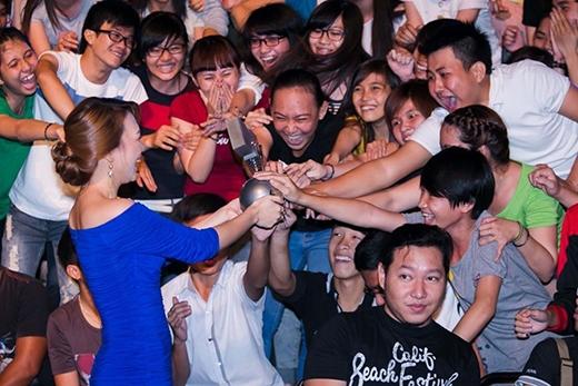 Nữ ca sĩ Việt Nam đầu tiên sở hữu nhiều giải thưởng quốc tế danh giá và thuyết phục. - Tin sao Viet - Tin tuc sao Viet - Scandal sao Viet - Tin tuc cua Sao - Tin cua Sao