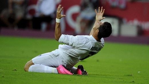 Ronaldo gửi thông điệp tới anti-fan sau trận hòa Gijon