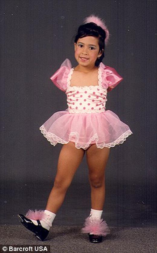 Jessica trong một buổi biểu diễn nhảy gõ gót từ khi còn bé.