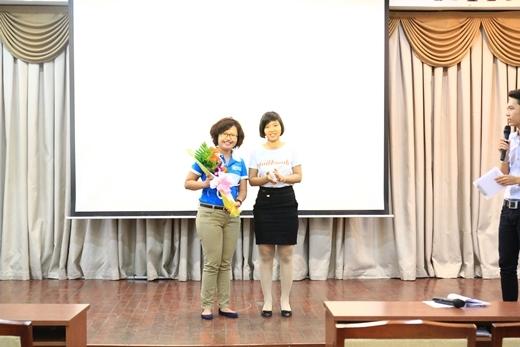 Chị Nguyễn Lê Yêu Thương và chị Thu Hồng – Chủ tịch The Jailbreak 2015.