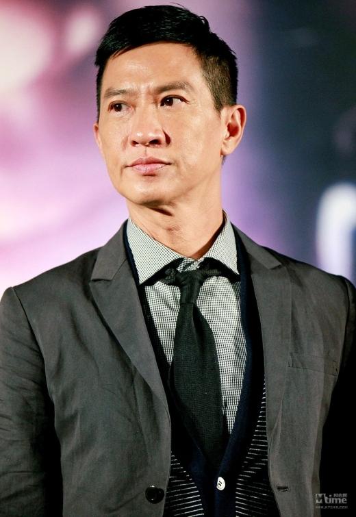 Mĩ nam một thời TVB gây sốc vì để lộ khuôn mặt biến dạng