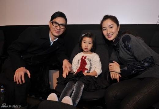 Trương Gia Huy bên vợ Quan Vịnh Hà và con gái