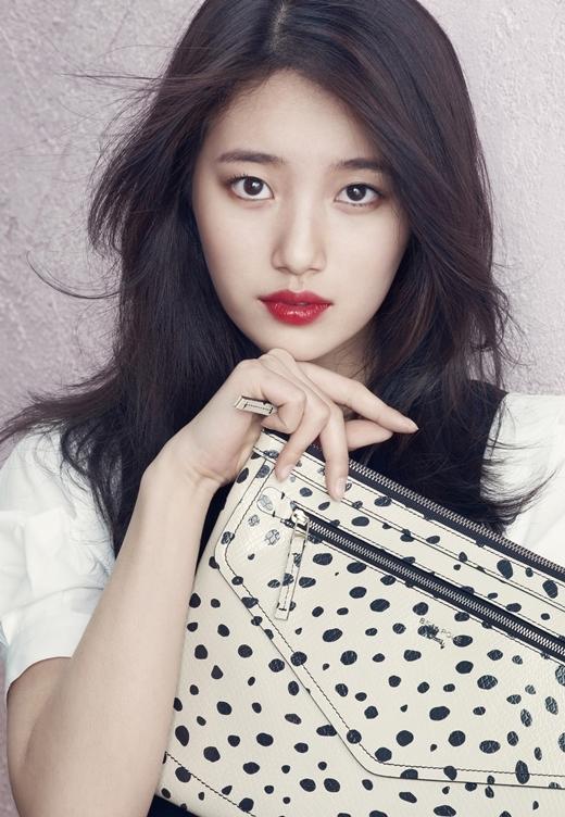 """Chắc hẳn nhắc đến Suzy, khán giả màn ảnh nhỏ sẽ không thể quên được cô nàng mũm mĩm Go Hye Mi trong Dream High. Nhận thấy mình thừa cân, em út Miss A đã bắt đầu chế độ ăn kiêng nghiêm ngặt để sở hữu vóc dáng chuẩn, xứng đáng với danh hiệu """"tình đầu quốc dân"""" vạn người mê."""