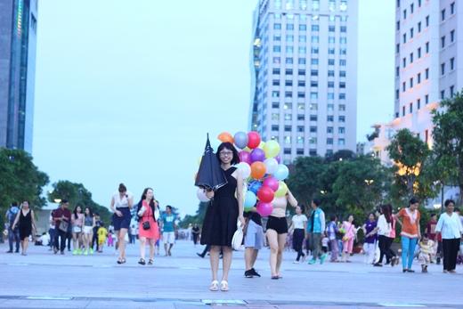 Mỹ Ngân sẽ dành tặng điều bất ngờ cho bạn trai ngay tại Quảng trường đi bộ Nguyễn Huệ.