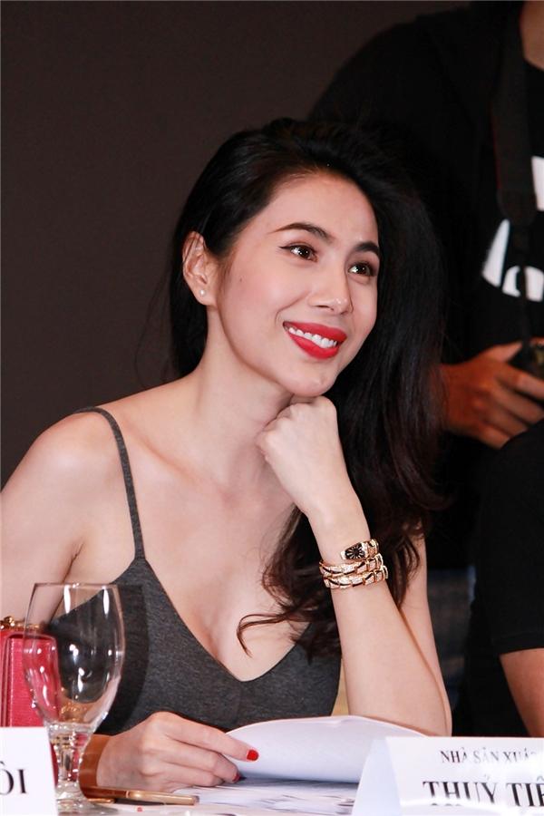 Thủy Tiên - nữ nghệ sĩ đa tài của showbiz Việt - Tin sao Viet - Tin tuc sao Viet - Scandal sao Viet - Tin tuc cua Sao - Tin cua Sao