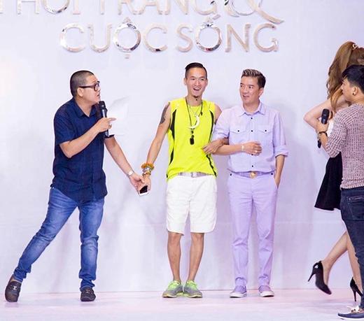 Dù ở vai trò khách mời đặc biệt, nhưng Đàm Vĩnh Hưng vẫn dành thời gian đến tham dự buổi tổng duyệt chương trình.