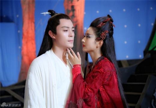 Dù trong giây phút căm hận nhất, Thiên Cốt vẫn yêu sư phụ.