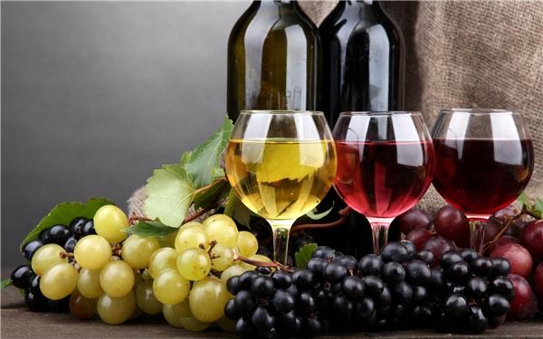 Những thức uống là kẻ thù của cân nặng cần tránh xa