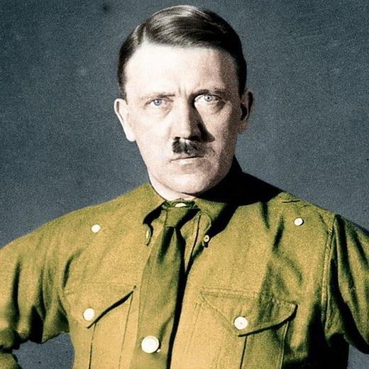 Hitler khi đã trở thành kẻ độc tài khét tiếng khắp thế giới.