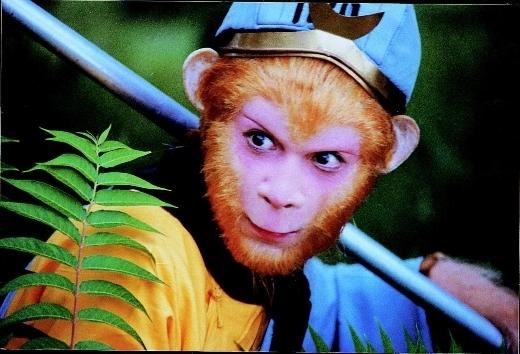 Dù có rất nhiều người diễn vai Tôn Ngộ Không nhưng Lục Tiểu Linh Đồng vẫn được đánh giá là diễn viên thành công nhất. Hình ảnh chú khỉ Tôn Ngộ Khôngcủa ông đã gắn liền với thời thơ ấu của rất nhiều thế hệ 8x, 9x.