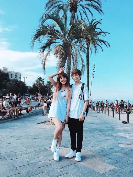 Hai người khiến không ít cư dân mạng ghen tị với những khoảnh khắc vui vẻ tại Barcelona. - Tin sao Viet - Tin tuc sao Viet - Scandal sao Viet - Tin tuc cua Sao - Tin cua Sao
