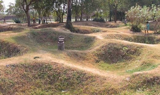 Cánh đồng chết - mồ chôn tập thể của hơn 1 triệu người dân vô tội.