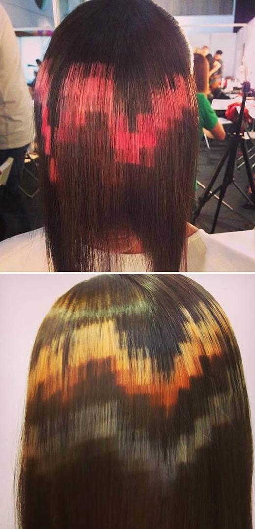 Nếu bạn muốn có được một quả đầu trông giống màn hình máy tính thì kiểu tóc này sẽ là một lựa chọn tuyệt vời. Thuốc nhuộm sẽ được sử dụng cho từng khối vuông riêng lẻ qua từng lọn tóc lớn, nhỏ. Hiệu ứng ô vuông điện tử được tạo nên thông qua sự tương phản giữa các gam màu.