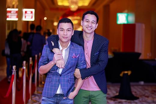 Nhà thiết kế Adrian Anh Tuấn và người bạn đời - doanh nhân Sơn Đoàn.