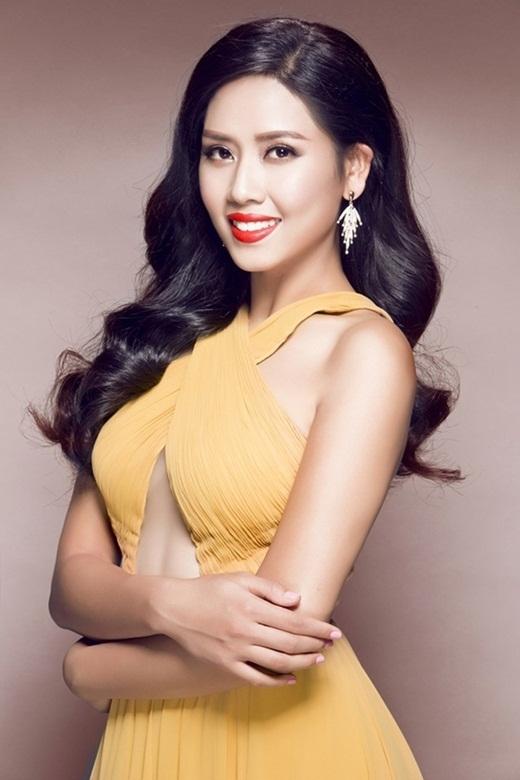 Năm 2013, cô giành giải Á hậu 2 Hoa hậu các dân tộc Việt Nam 2013 và tham dự Miss World 2014. Mới đây, người đẹp gốc Thái Bình còn được đặc cách vào vòng chung kết cuộc thi Hoa hậu Hoàn vũ Việt Nam 2015. - Tin sao Viet - Tin tuc sao Viet - Scandal sao Viet - Tin tuc cua Sao - Tin cua Sao