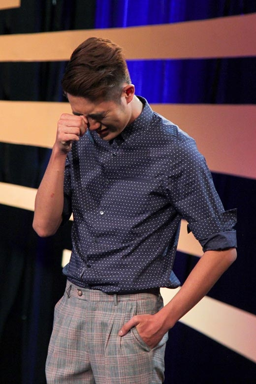 Sau những tuần liên tiếp giành thứ hạng cao, Đinh Đức Thành xuống phong độ rõ rệt với vị trí áp chót. Khi chia sẻ với ban giám khảo, Thành đã bật khóc cho biết do quá nhớ nhà và gần đến ngày giỗ ba nên tâm lí của anh bị ảnh hưởng khá nhiều.