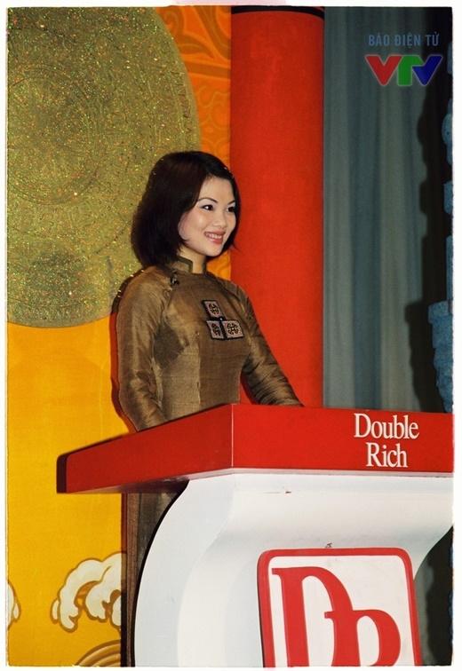 BTV Bạch Dương là người dẫn gắn bó với chương trình Hành trình văn hóa. - Tin sao Viet - Tin tuc sao Viet - Scandal sao Viet - Tin tuc cua Sao - Tin cua Sao