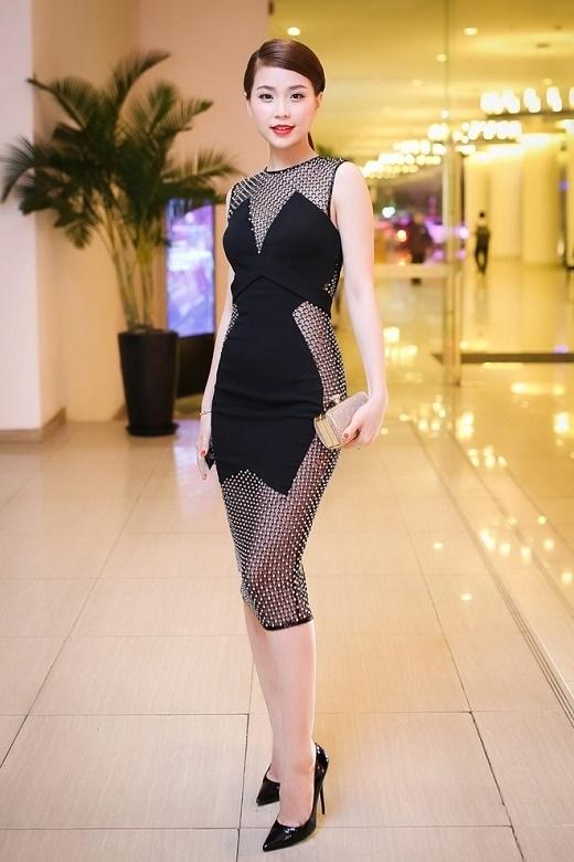 Một thiết kế khá táo bạo, gợi cảm nhưng vẫn tinh tế, chừng mực của á hậu Nguyễn Lâm Diễm Trang.