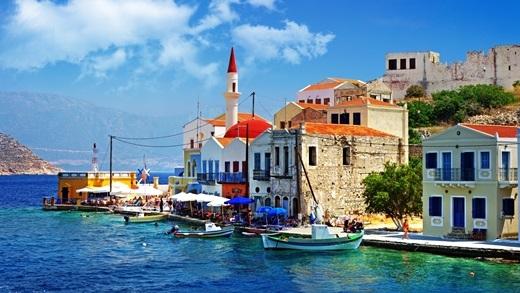 Hy Lạp – quốc ca dài nhất thế giới. Chắc hẳn nghi thức chào cờ của đất nước này phải tốn cả tiếng đồng hồ để hoàn thành… 158 lời của bài quốc ca.