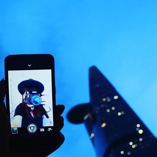 Selfie kiểu mới cùng Bitexco nhé. (Nguồn IG @xuanpi57)