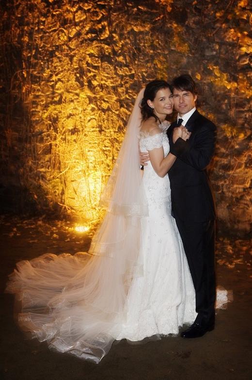 """Tom Cruisevà Katie Holmes """"về chung một nhà"""" trong một buổi tiệc tại Ý vào tháng 11/2006."""