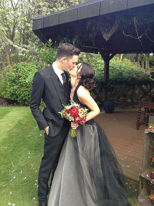 Shenae Grimes kết hôn với người mẫu/nhạc sĩ Josh Beech tại vùng ngoại ô Luân Đôn vào tháng 5/2015.