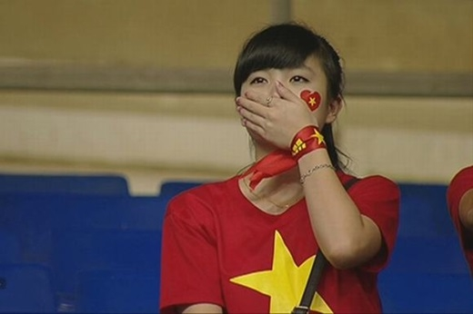Nhật Lệ bỗng dưng nổi tiếng chỉ sau 2 giây xuất hiện trên sóng truyền hình.