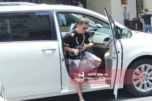 Đang trong giai đoạn nước rút của chương trình Giọng hát Việt 2015,nhưng Đàm Vĩnh Hưng vẫn tranh thủ sắp xếp thời gian chuẩn bị cho đêm nhạc riêng sắp tới. - Tin sao Viet - Tin tuc sao Viet - Scandal sao Viet - Tin tuc cua Sao - Tin cua Sao