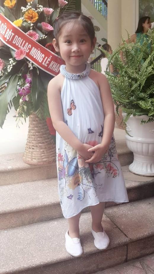 Cô công chúa nhỏ của diễn viên Minh Tiệp xinh xắn tới trường. - Tin sao Viet - Tin tuc sao Viet - Scandal sao Viet - Tin tuc cua Sao - Tin cua Sao