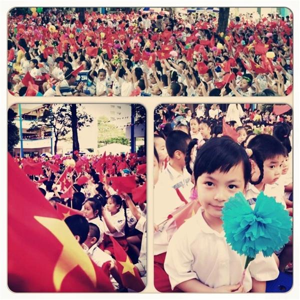 Công chúa nhỏ của Phan Anh được bố ghi lại khoảnh khắc đáng nhớ trong ngày khai trường. - Tin sao Viet - Tin tuc sao Viet - Scandal sao Viet - Tin tuc cua Sao - Tin cua Sao