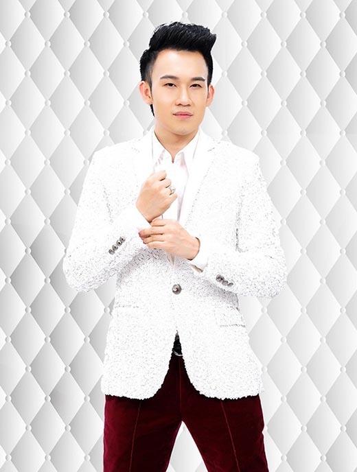Hai sắc màu thời trang tương phản của Dương Triệu Vũ