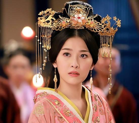 Sau khi Vệ Tử Phu được lên sóng, công chúa Bình Dương của Châu Lệ Kỳ nhận được tình cảm từ phía khán giả hơn hẳn nữ chính Vương Lạc Đan. Nhiều người nhận xét cô bỏ xa bạn diễn nhờ ngoại hình xinh đẹp.