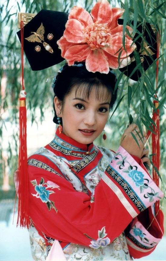 Sau khi Hoàn Châu Cách Cách lên sóng, vai diễn của Triệu Vy cũng được đưa lên hàng những vai diễn kinh điển trong lịch sử phim Trung Quốc. Hình ảnh Tiểu Yến Tử xinh đẹp, lanh lợi và trượng nghĩa vẫn còn sức ảnh hưởng đến tận bây giờ.