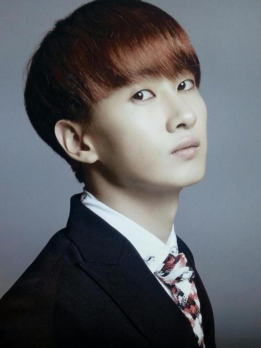 Eunhyuk (Super Junior) sẽ chính thức nhập ngũ vào ngày 13/10/2015 và dự tính vào ngày 13/06/2017, anh sẽ xuất ngũ.