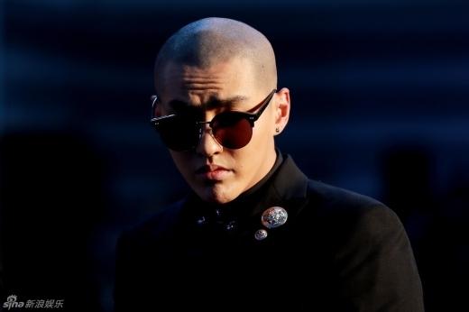 Fan hốt khoảng khi thấy Kris (Ngô Diệc Phàm) cạo trọc đầu làm Đường Tăng