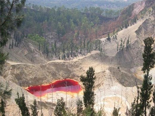 Toàn bộ ba hồ có diện tích 1.051.000 m2 với khối lượng nước chứa trong hồ là 1292 m3 nước.