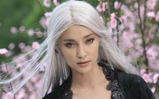 Ấn tượng mạnh với mĩ nhân Hoa ngữ bạc tóc vì tình