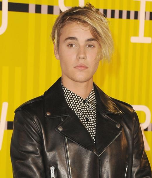 Justin Bieber khẳng định vẫn đau lòng vì chuyện tình với Selena Gomez