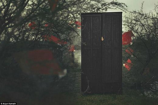 Câu chuyện bắt đầu từ một cái tủ... Hai cô gái bị xã hội kì thị và phải trốn tránh để đi theo tiếng gọi con tim.