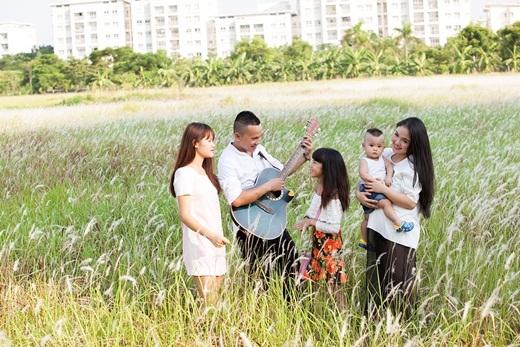 Ngoài vai trò người mẹ, Lam Trang còn là người bạn lớn mà các con riêng của Tú Dưa vô cùng yêu mến, tin tưởng và tôn trọng. - Tin sao Viet - Tin tuc sao Viet - Scandal sao Viet - Tin tuc cua Sao - Tin cua Sao