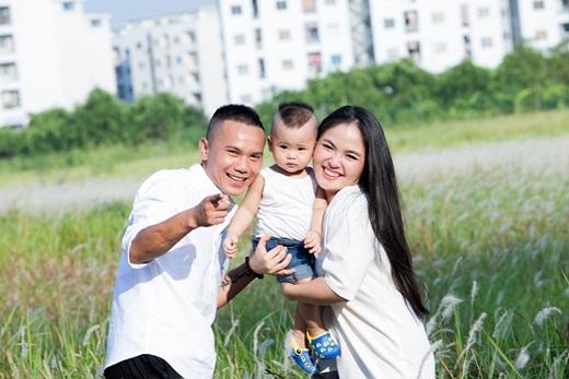 Hiện tại, cuộc sống gia đình của Tú Dưa và Lam Trang vô cùng viên mãn - Tin sao Viet - Tin tuc sao Viet - Scandal sao Viet - Tin tuc cua Sao - Tin cua Sao
